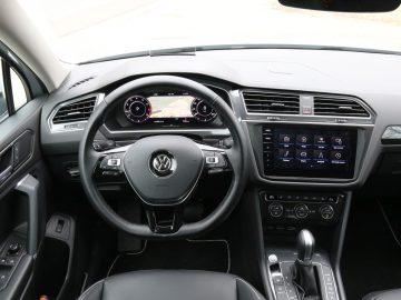 Het dashboard is vertrouwd, want nagenoeg gelijk aan dat in de Volkswagen Golf.